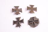 Eiserne Kreuze und Kriegsverdienstkreuze I. Klasse von Curt Germer