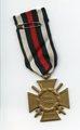 Ehrenkreuz für Frontkämpfer und Verleihungsurkunde von August Karl Sadzulewski