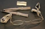 Brille, die unter einer Gasmaske getragen werden konnte.
