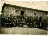 FRAD062_080 - Holzminden, les prisonniers du Pas-de-Calais, 1916.