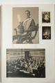 Plakboek met prentbriefkaarten en foto's uit de mobilisatiejaren van C. Veenendaal