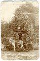 Feuerwerker Ernst Blanke mit seiner Truppe an der Westfront