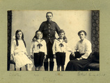 A Scottish soldier and his family.