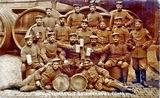Gruppenfoto mit Soldaten in Fürth/Bayern