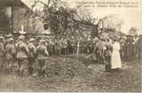 Fotopostkarte eines Soldatenbegräbnisses