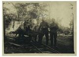 Großvater Hermann Lenhard beim Ausbau der Artilleriestellung