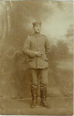 Hans Fröhlich 1915 aus schwerer Zeit.jpg