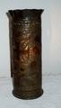 Verzierte Vase aus einer Granathülse