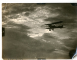 Luftbilder - Truppen und Flugzeuge