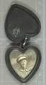 Herzförmiges Medaillon mit Foto