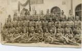 Foto von Johann Fitsch mit Soldaten