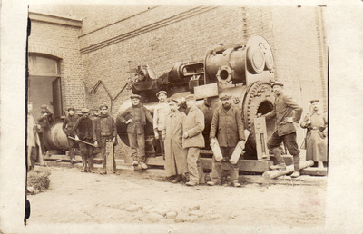 Railroad works Kortrijk march 1918.jpg