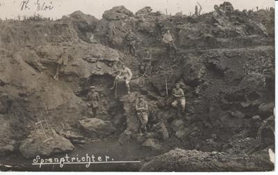 1916 01.10. Sprengtrichter St. Eloi  S. 152.jpg