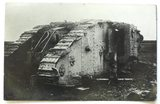 Foto eines zerschossenen Tanks