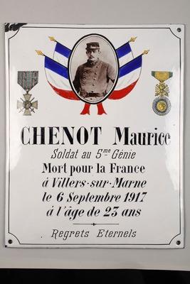 Gedenkplakette an Maurice Chenot, soldat du 5e Génie (mit Foto)