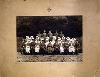 Photo of Rose Cassidy, an Irish staff nurse in the Queen Alexandra military corps and colleagues