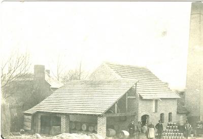 Stoomstroopstokerij Lowette in 1916.