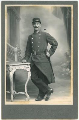 ACA4640172_01_CABE_01_01 Antoine Allégret, photographie en uniforme
